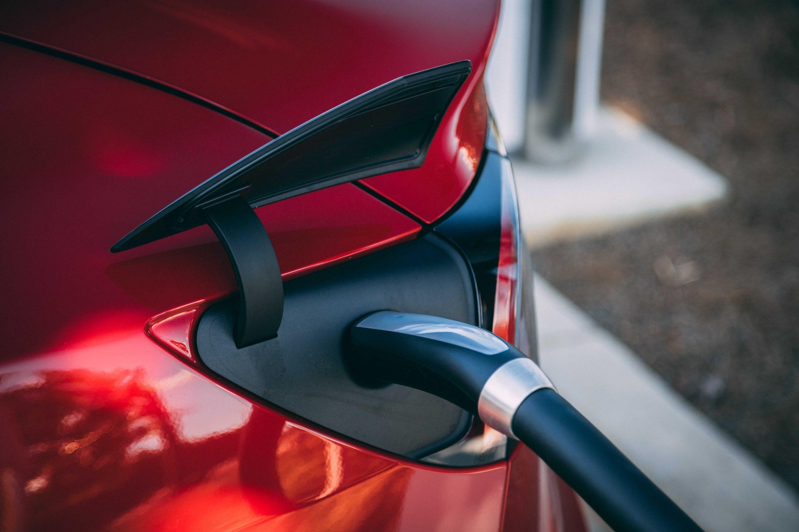 Tesla elektrisch opladen